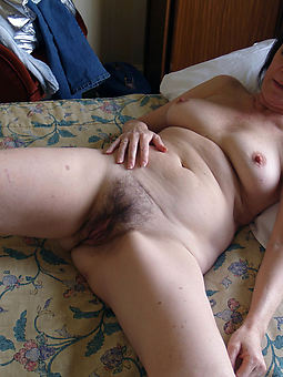 Hairy amateur wife pics