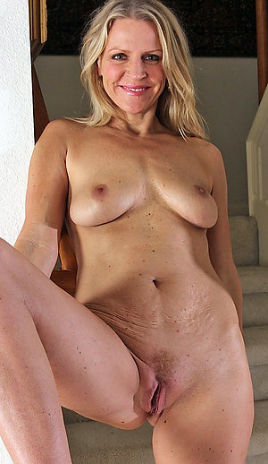 Sexy mature wives nude